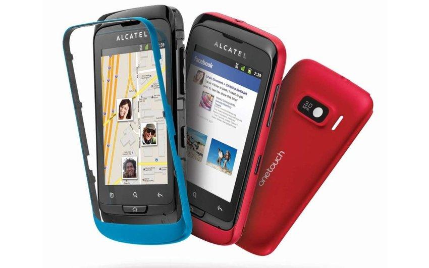 test smartphone android alcatel one touch 918 mix un petit prix qui ne brille pas. Black Bedroom Furniture Sets. Home Design Ideas