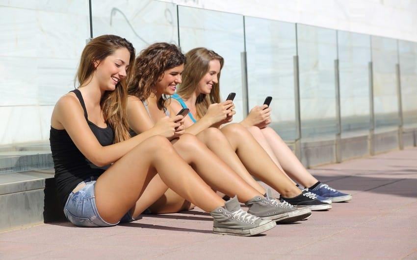 Médiamétrie, 15-24 ans, usages smarthpone