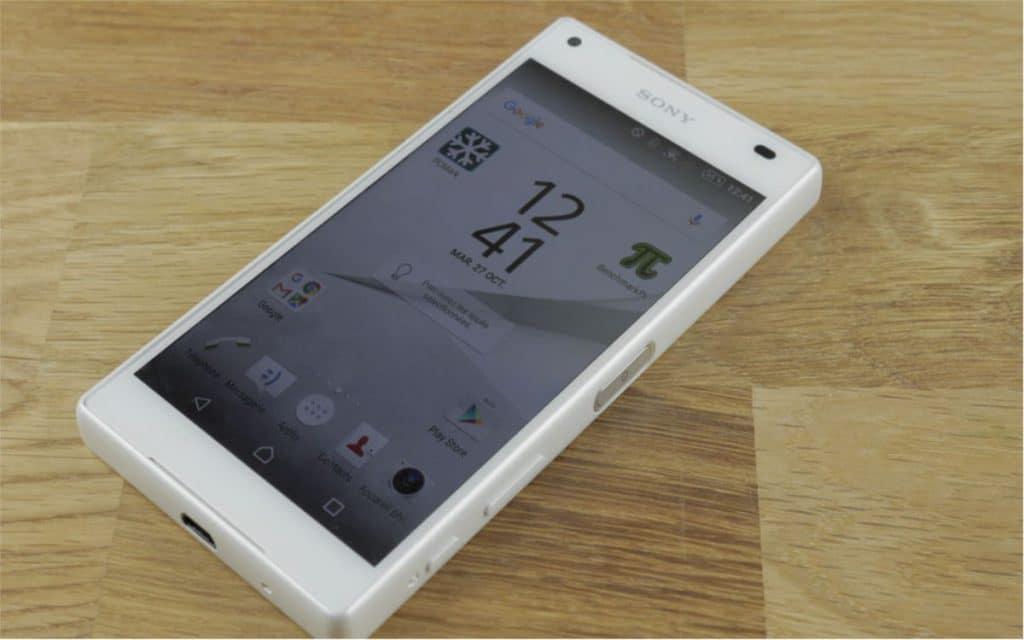 Sony Xperia z5 Compact image à la une 27102015